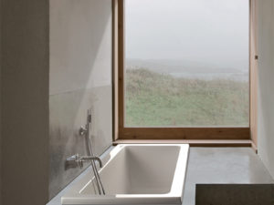 Mti Andrea® 4 Roomy Rectangle Bathtub