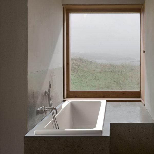 Mti Andrea® 4 Roomy Rectangle Bathtub