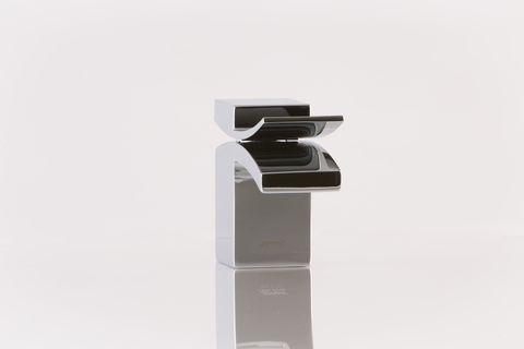 Artos Quarto Bathroom Collection