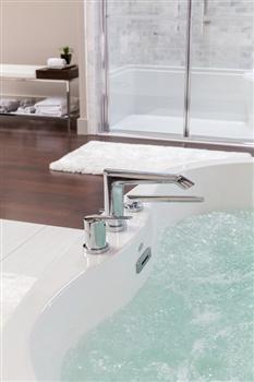 Jason Forma Freestanding  Bathtub With Patented Level-form Base
