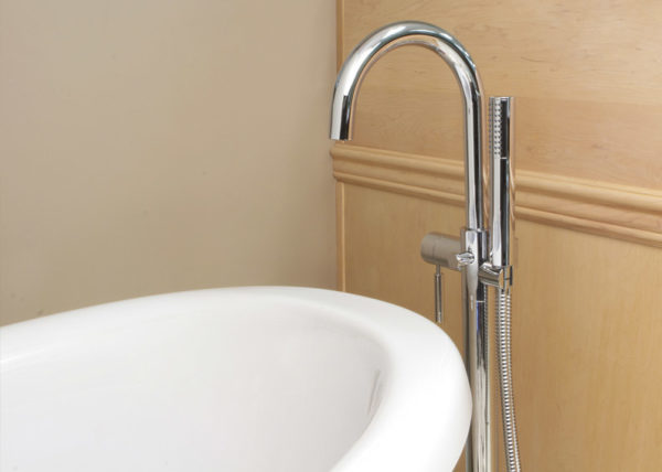 Huntington Brass Freestanding Tub Filler