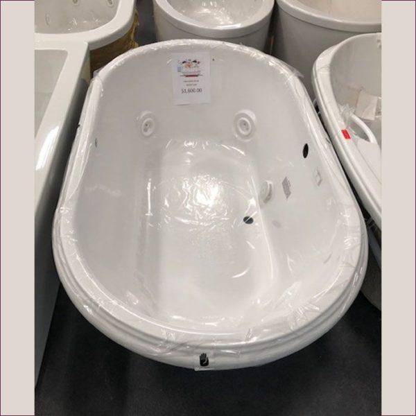 Jacuzzi Whirlpool Bathtub 72×42