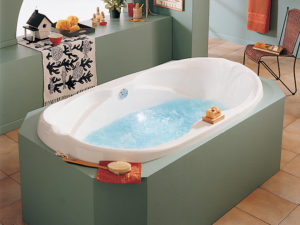 Alcove Marguerite Podium Bathtub