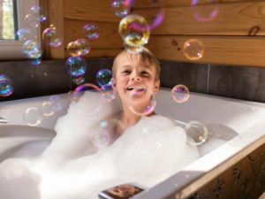 Bathtub Shower: A Great Experience For Your Kids
