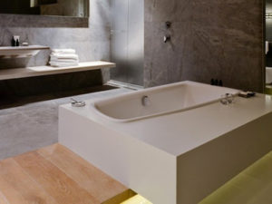 Bathtub Showers In A Room Hotel. Your Clients Will Love It