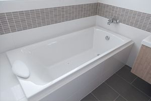 Remodel Your Old Fashion Bathroom With Beautiful Bathtubs