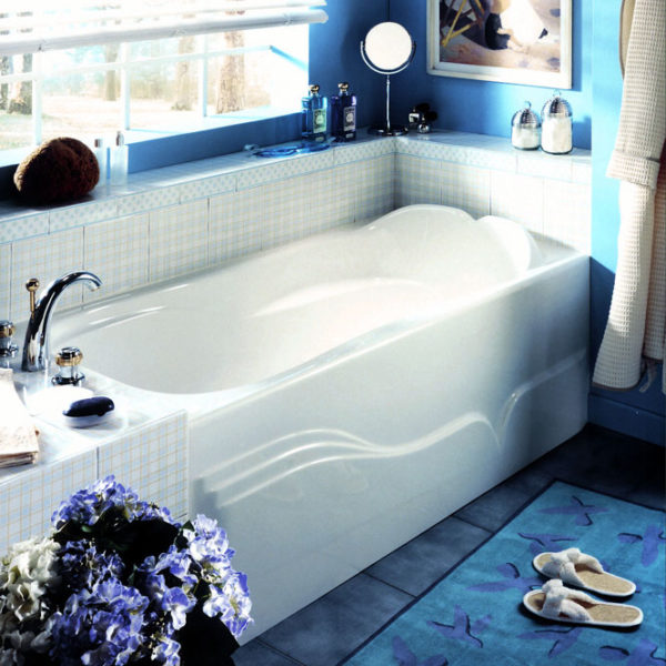 Daphne Alcove Style Tub