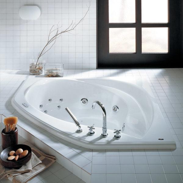 Thalassa Corner Bathtub